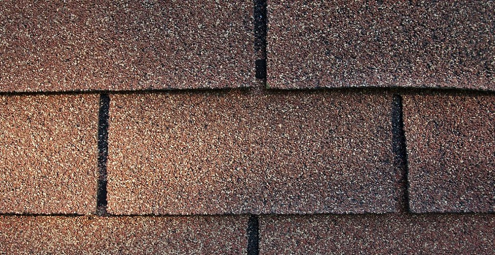 See if your roof needs to be replaced by reading these warning signs